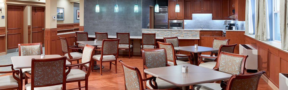 Dining room in the highly-rated industry-leading healthcare center